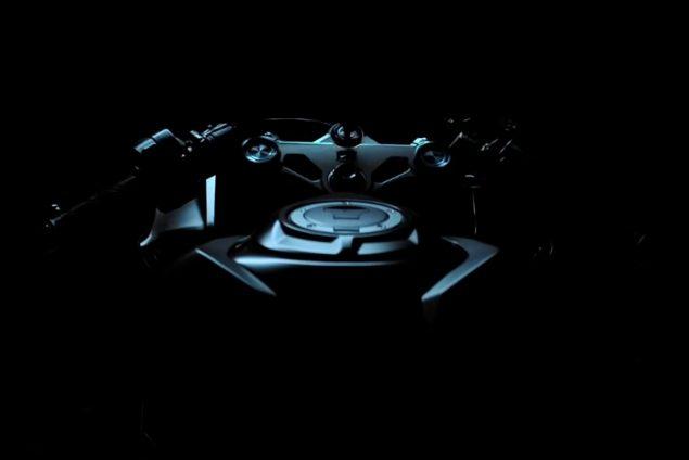2017-Honda-CBR250RR-teaser-video-triple-clamp