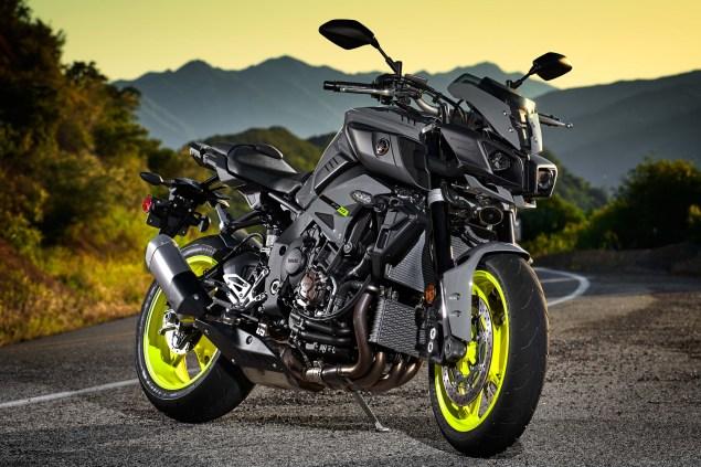 2017-Yamaha-FZ-10-USA-35