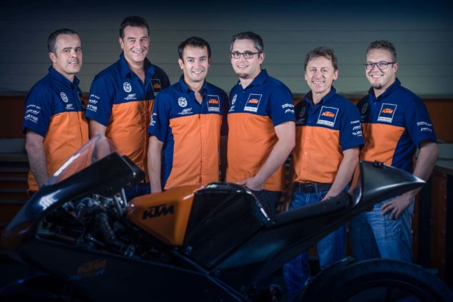 2017-KTM-RC16-MotoGP-team-02