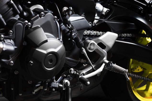 2017-yamaha-mt-09-europe-details-04