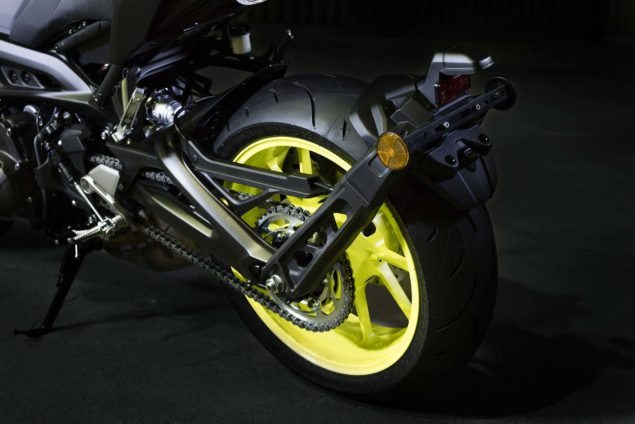 2017-yamaha-mt-09-europe-details-09