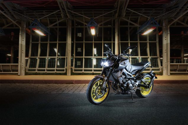 2017-yamaha-mt-09-europe-static-04