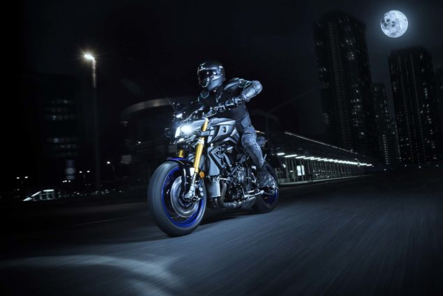 2017-yamaha-mt-10-sp-europe-action-01