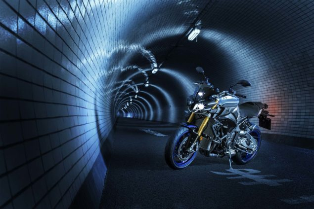 2017-yamaha-mt-10-sp-europe-static-04