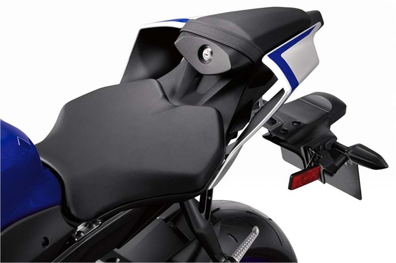2017 Yamaha Yzf R6 Low Res 08