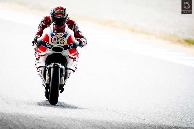 twin-ring-motegi-2016-andrea-dovizioso-tunnel-scott-jones