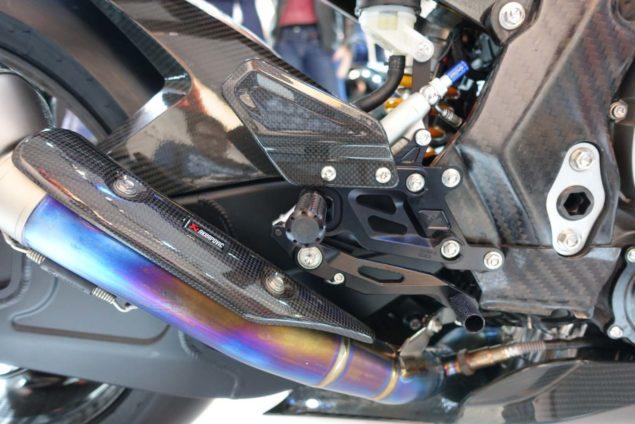 2017-bmw-hp4-race-motofire-08
