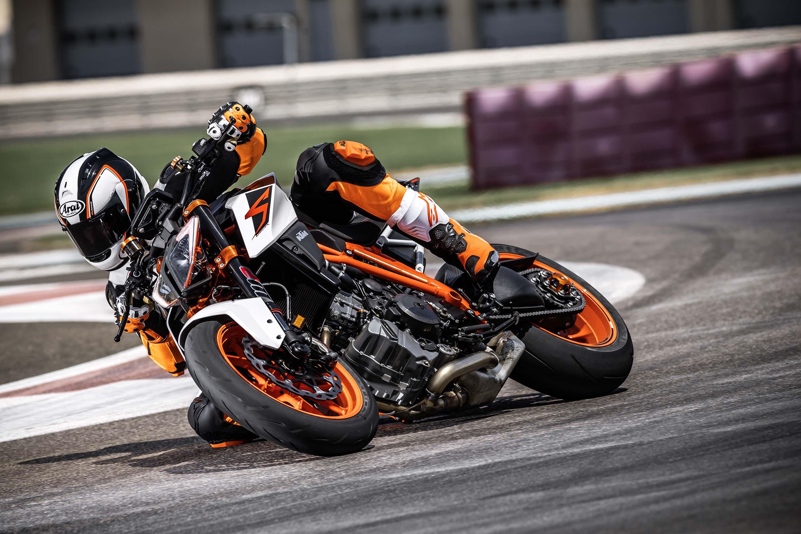 KTM 1290 Super Duke R Gets an Update for 2017