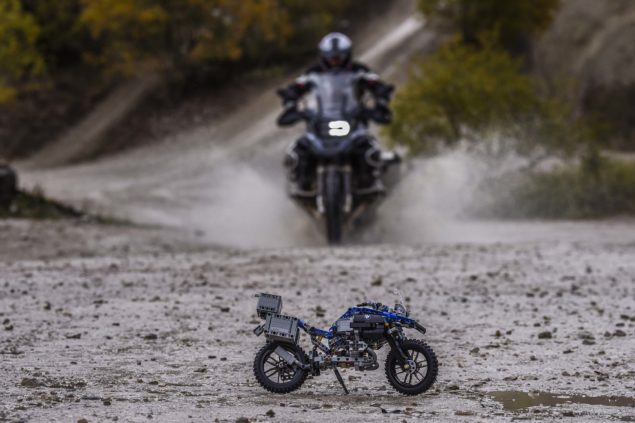 bmw-r1200gs-lego-technic-outdoor-03
