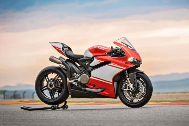 ducati-1299-superleggera-race-track-03