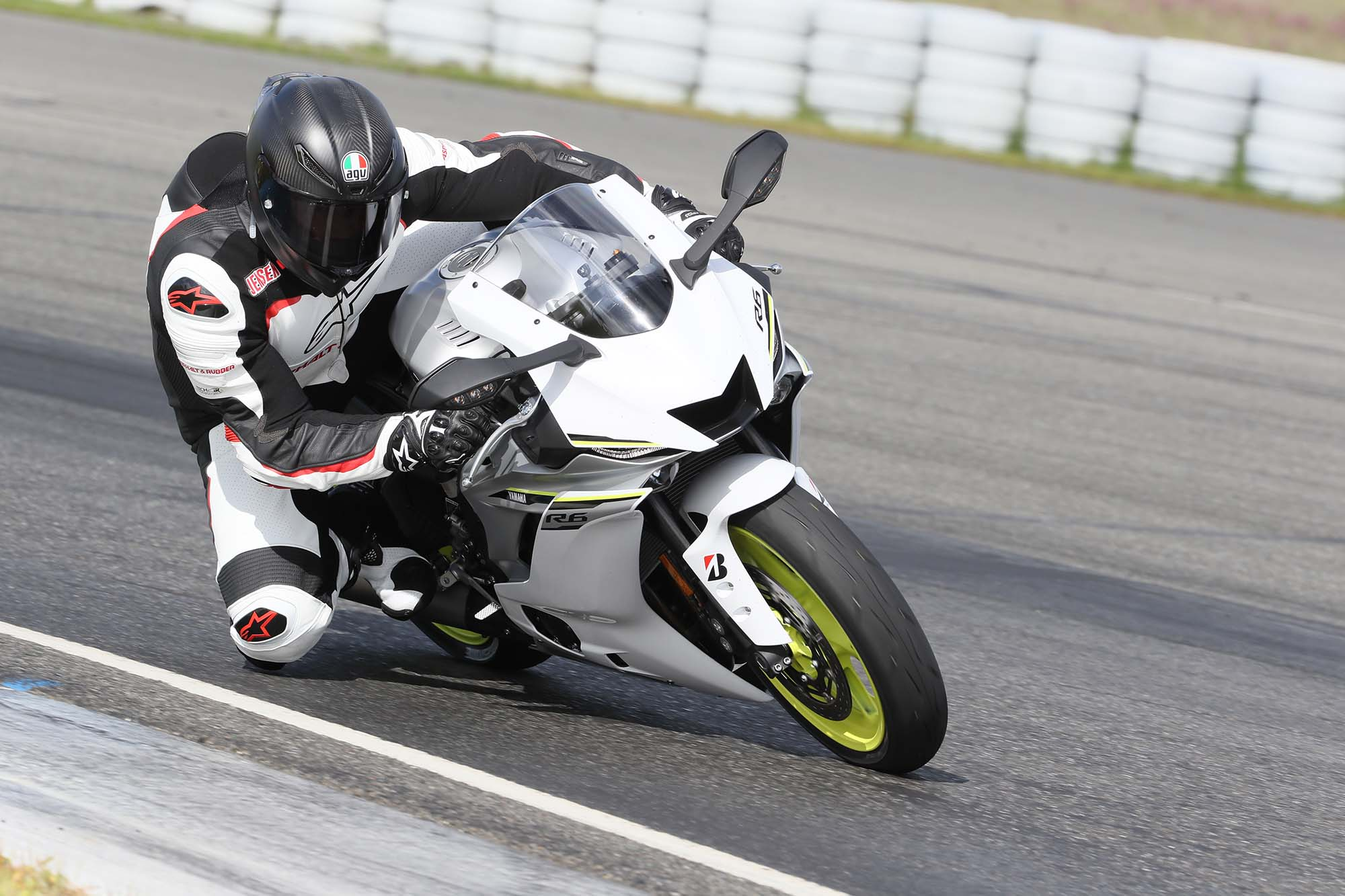 Honda Grom Review >> A Review of the 2017 Yamaha YZF-R6 - Asphalt & Rubber
