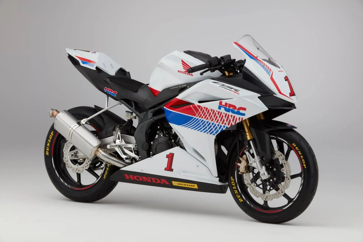 Honda CBR250RR, Reporting for Racing Duty