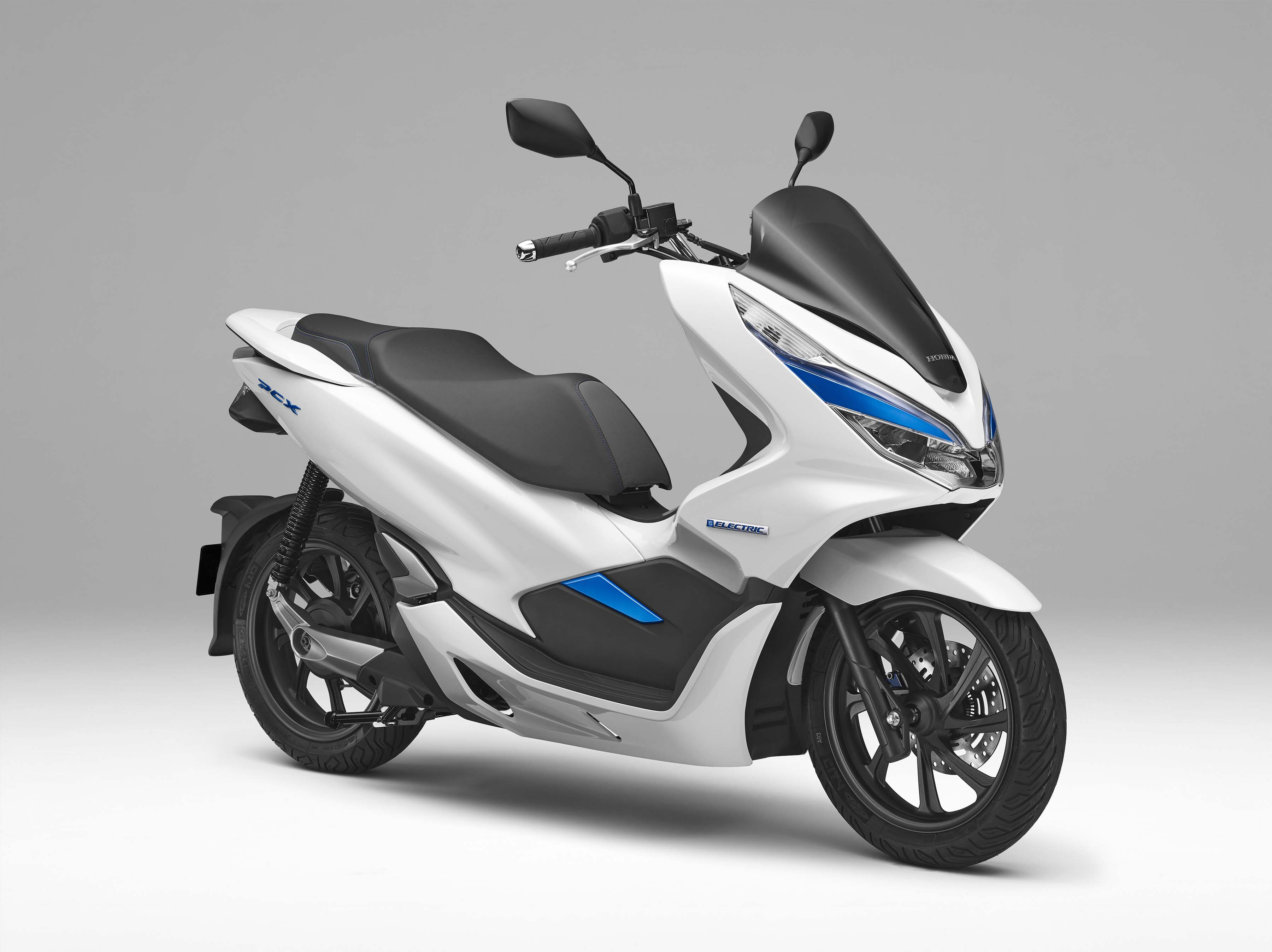 honda debuts hybrid and electric scooters for 2018. Black Bedroom Furniture Sets. Home Design Ideas