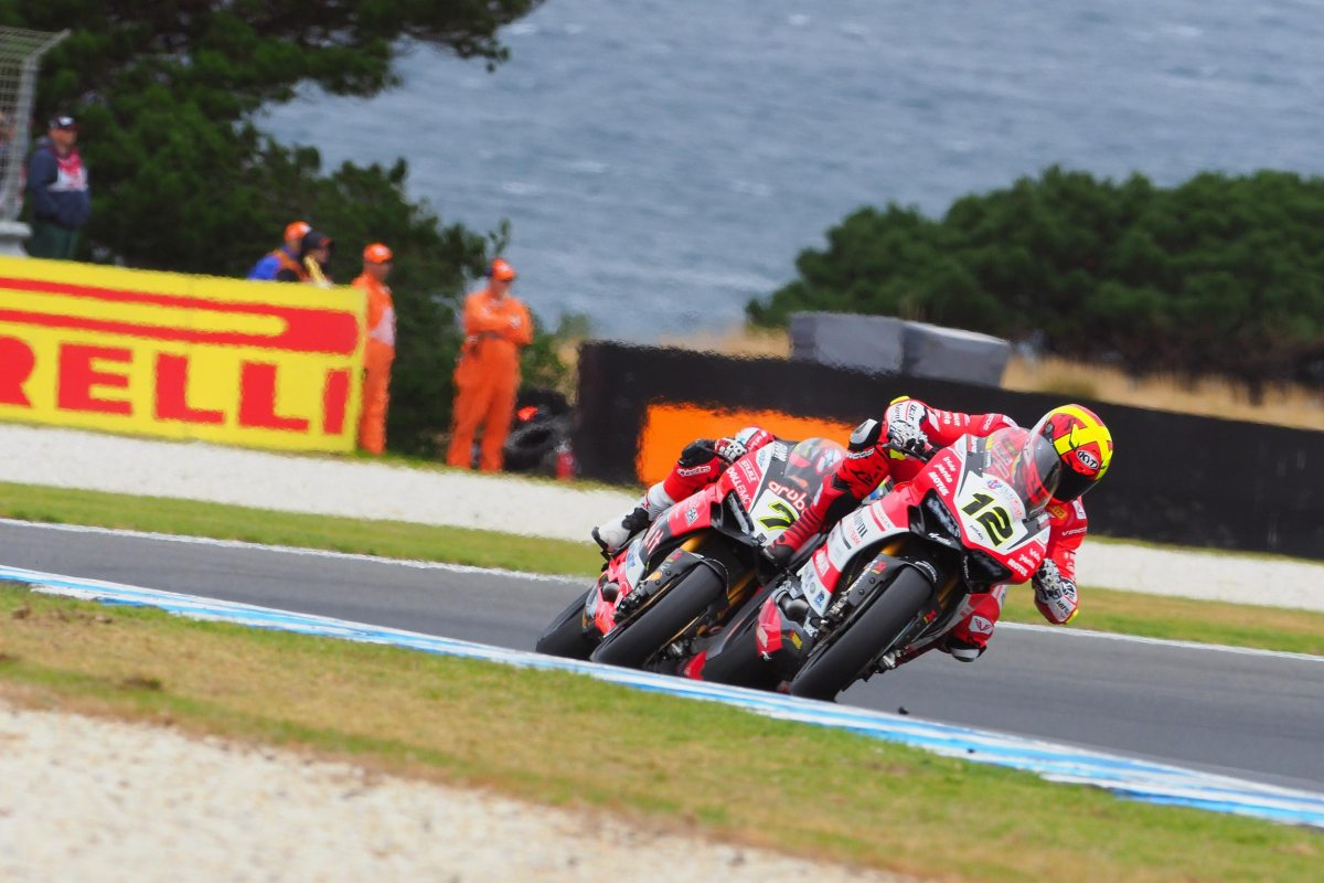 Tire Issues Means Pit Stops for WorldSBK Race 2 at PI