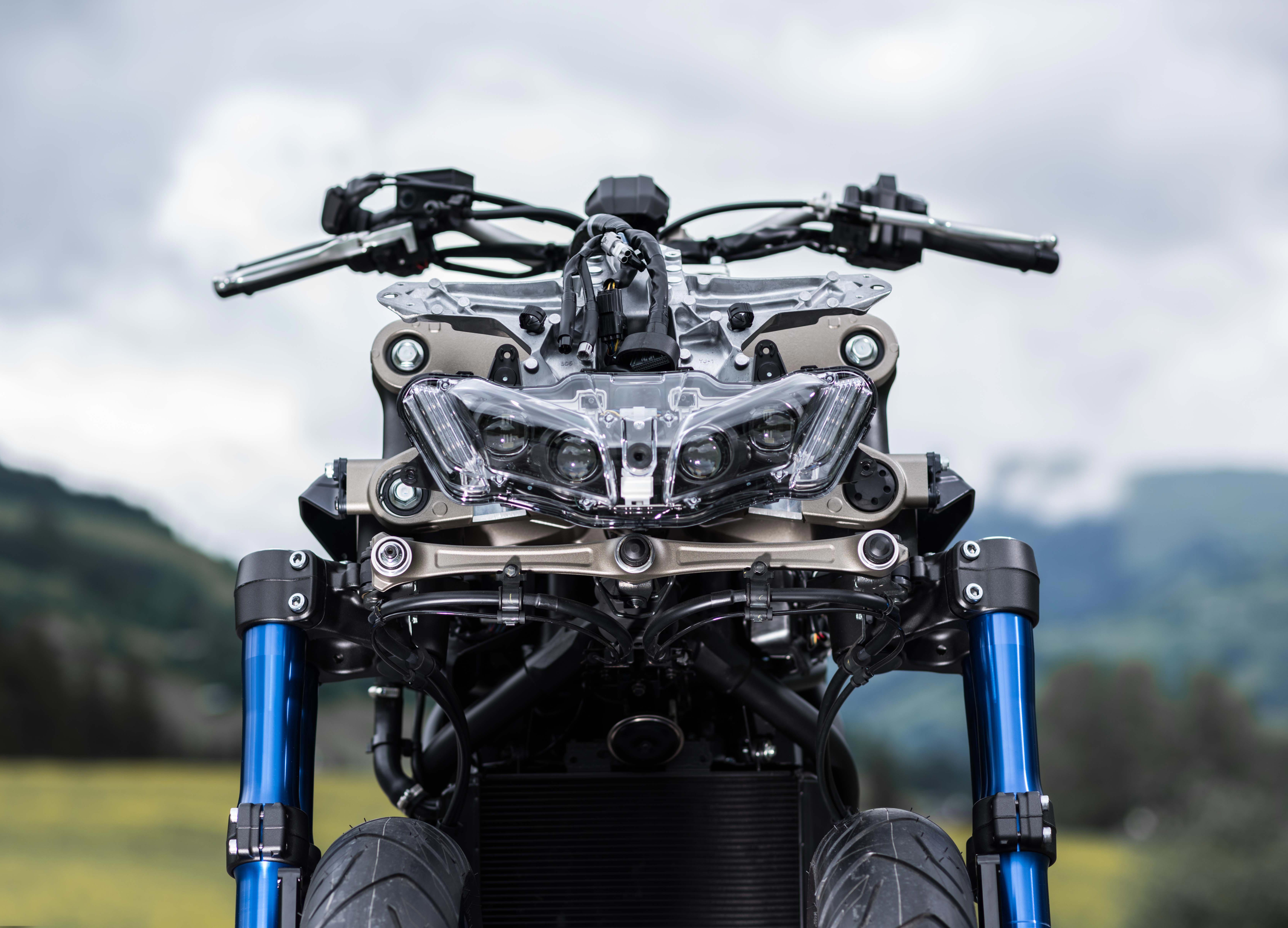 What Does The Yamaha Niken Look Like Naked Asphalt Rubber