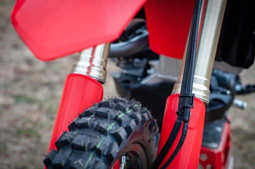 2019-Honda-CRF450L-asphaltandrubber-13