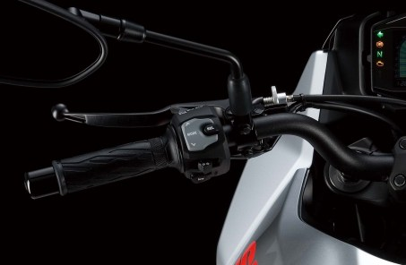2020-Suzuki-Katana-05