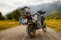2019-BMW-F850GS-Adventure-05