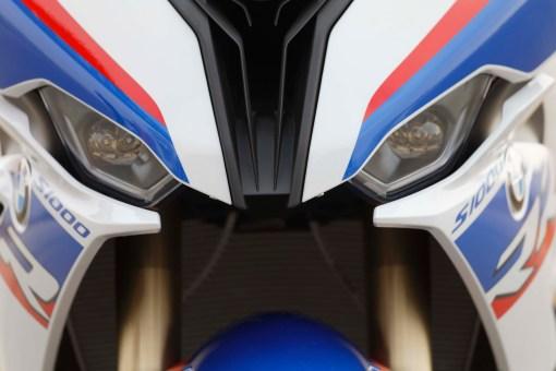 2019-BMW-S1000RR-61