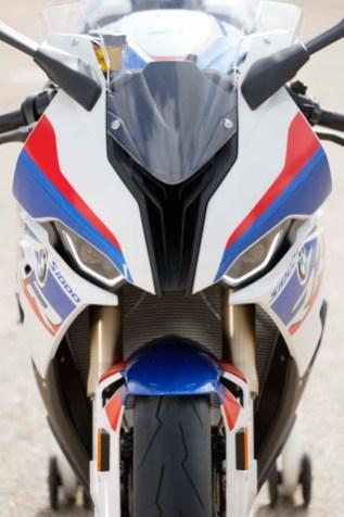 2019-BMW-S1000RR-73