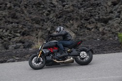2019-Ducati-Diavel-1260-S-12