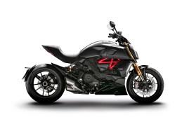 2019-Ducati-Diavel-1260-S-25