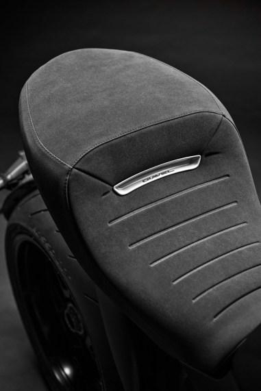 2019-Ducati-Diavel-1260-S-51