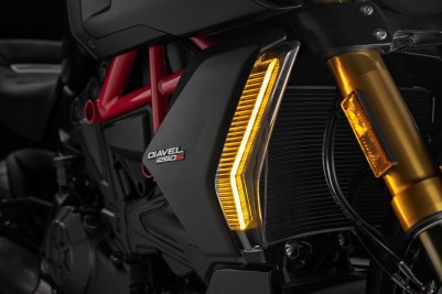 2019-Ducati-Diavel-1260-S-55
