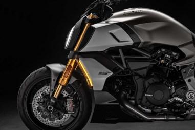 2019-Ducati-Diavel-1260-S-63
