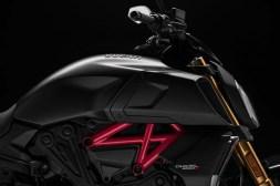2019-Ducati-Diavel-1260-S-66