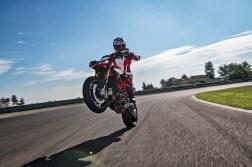 2019-Ducati-Hypermotard-950-SP-13