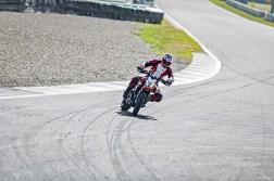 2019-Ducati-Hypermotard-950-SP-18
