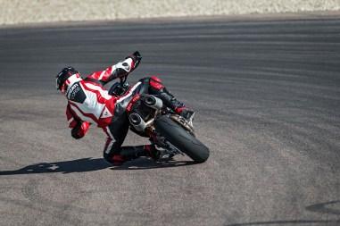 2019-Ducati-Hypermotard-950-SP-21