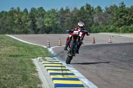 2019-Ducati-Hypermotard-950-SP-32