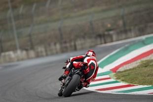 2019-Ducati-Panigale-V4-R-31