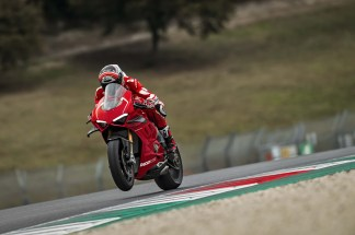 2019-Ducati-Panigale-V4-R-37