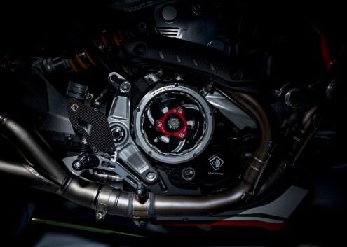Ducati-Monster-1200-Tricolore-Motovation-07