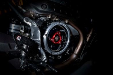 Ducati-Monster-1200-Tricolore-Motovation-08