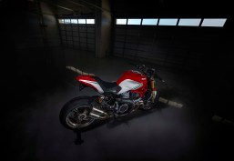 Ducati-Monster-1200-Tricolore-Motovation-10