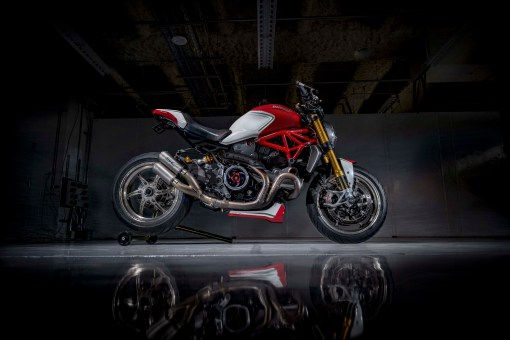 Ducati-Monster-1200-Tricolore-Motovation-20