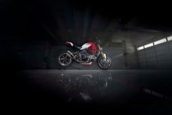 Ducati-Monster-1200-Tricolore-Motovation-22