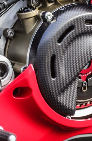 Bologna Brings Back the Rattle – The Ducati Panigale V4 R Will Now Come Fitted with a Dry Clutch
