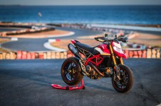 2019-Ducati-Hypermotard-950-SP-press-launch-static-06
