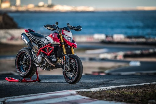 2019-Ducati-Hypermotard-950-SP-press-launch-static-08