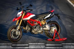 2019-Ducati-Hypermotard-950-SP-press-launch-static-14