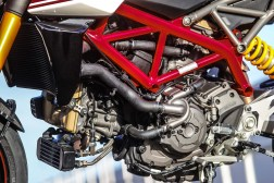 2019-Ducati-Hypermotard-950-SP-press-launch-static-31