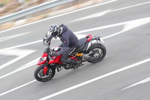 2019-Ducati-Hypermotard-950-press-launch-30