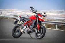 2019-Ducati-Hypermotard-950-press-launch-static-01