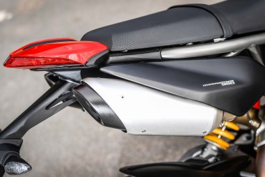 2019-Ducati-Hypermotard-950-press-launch-static-32
