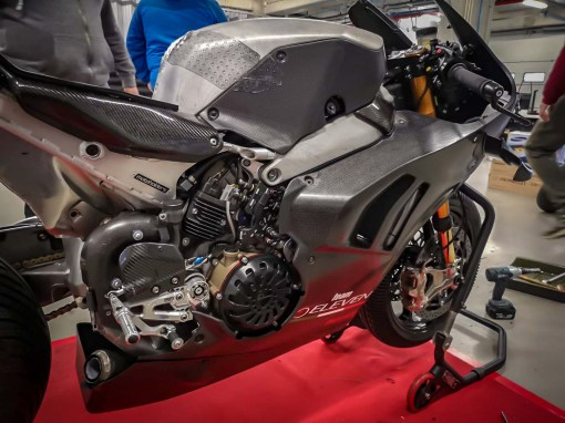Ducati-Panigale-V4-RS19-Eugene-Laverty-Jerez-Steve-English-08